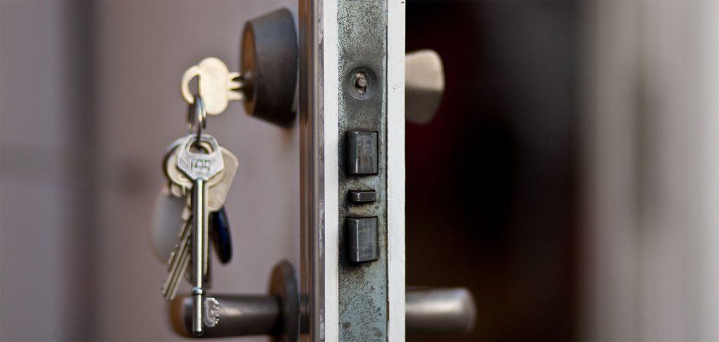 Kırıkkale Merkez anahtar, kapı açma, kasa açma, oto anahtarı, oto kapısı açma, oto kumanda, immobilizer anahtarcı yapımı konusunda hizmetlerimiz bulunmaktadır.